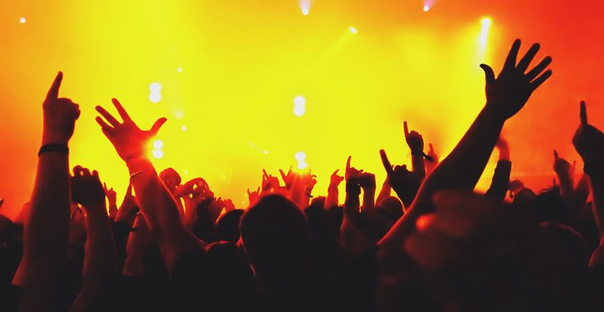 Festivals de musique : protéger ses oreilles sans gâcher le plaisir de la fête !