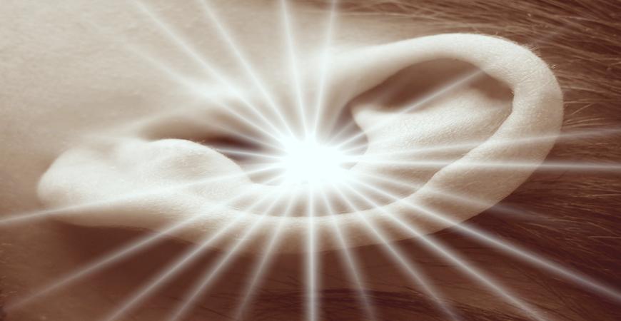 Cérumen et Nettoyage des oreilles: les bons gestes